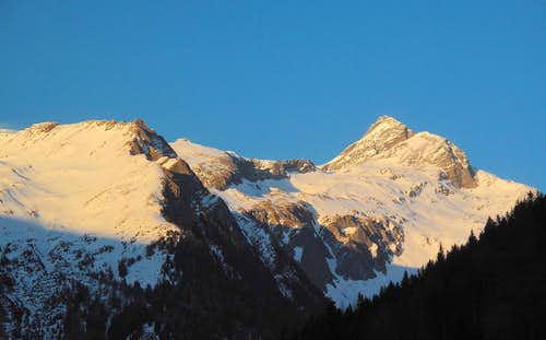 Ankogel (3246m) and Etschlsattel crest in the evening light