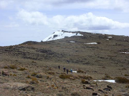 Heading back down the main ridge of the Pah Rah Range