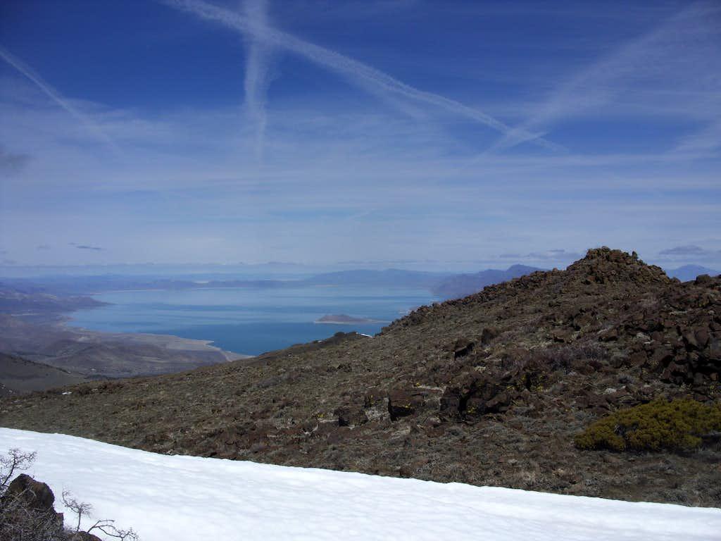 Pyramid Lake and the north summit