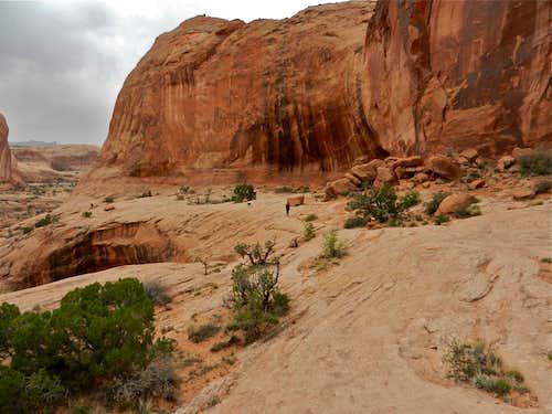 Trail to Corona Arch