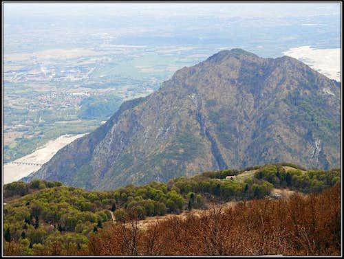 Monte Brancot from Monte San Simeone