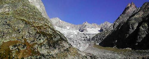 Pano view of Triolet glacier