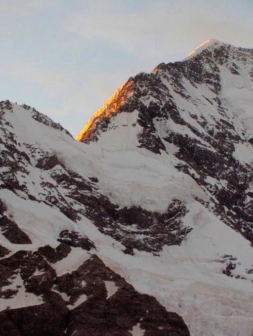 Alpenglow on the south ridge of Aoraki / Mount Cook