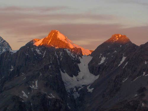Alpenglow on the Malte Brun Range