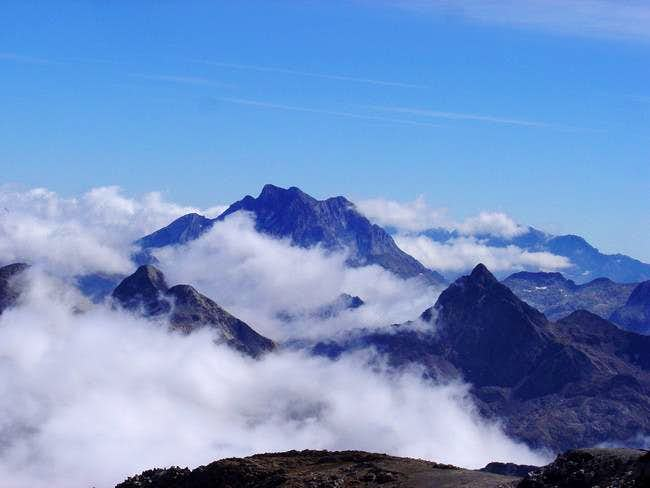 The great massif of Vignemale...