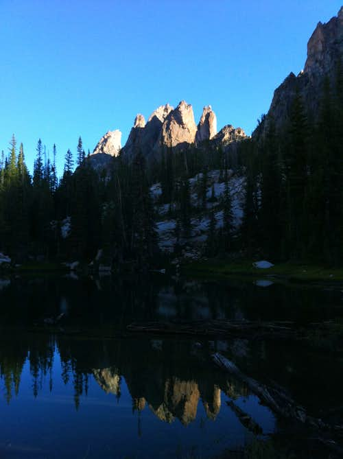 Warbonnet and Cirque Lake group over Bead lakes