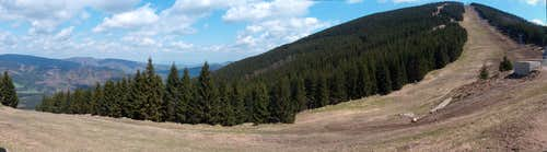 Ski track on Šerák