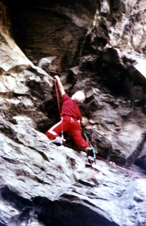 Climbing at beginning of Dard's Walloon
