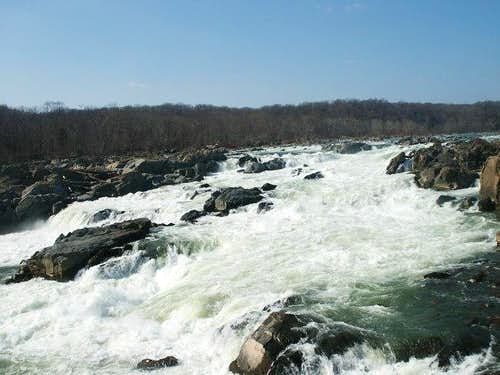 Great Falls from the Maryland...