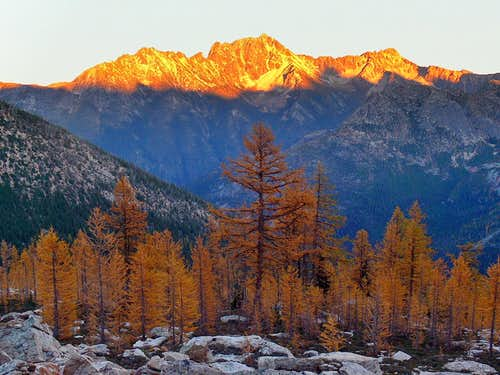 Classic Fall Moment in the North Cascades