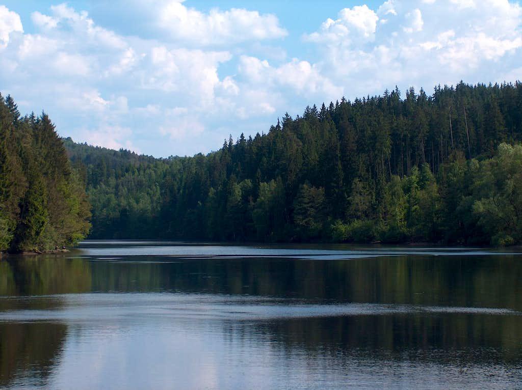 Near Stanek, above the dam