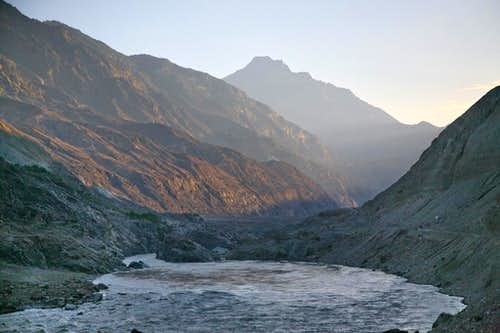 KKH along the Mighty Indus River