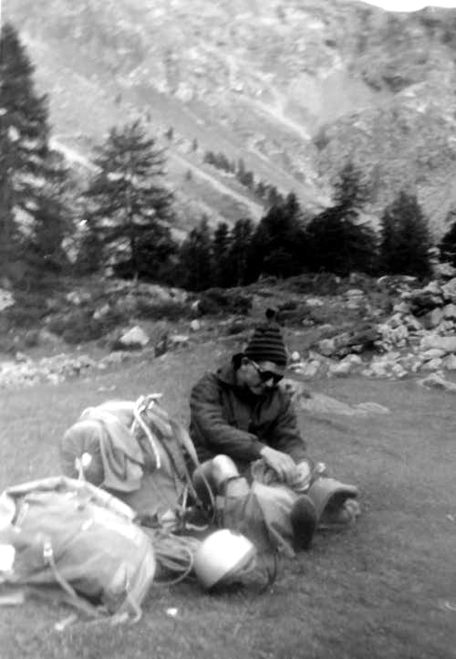 Ila returning from North Wall in Comboé's Valley 1967