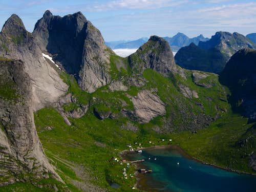Back of Kierkefjorden from Brunaksla Col