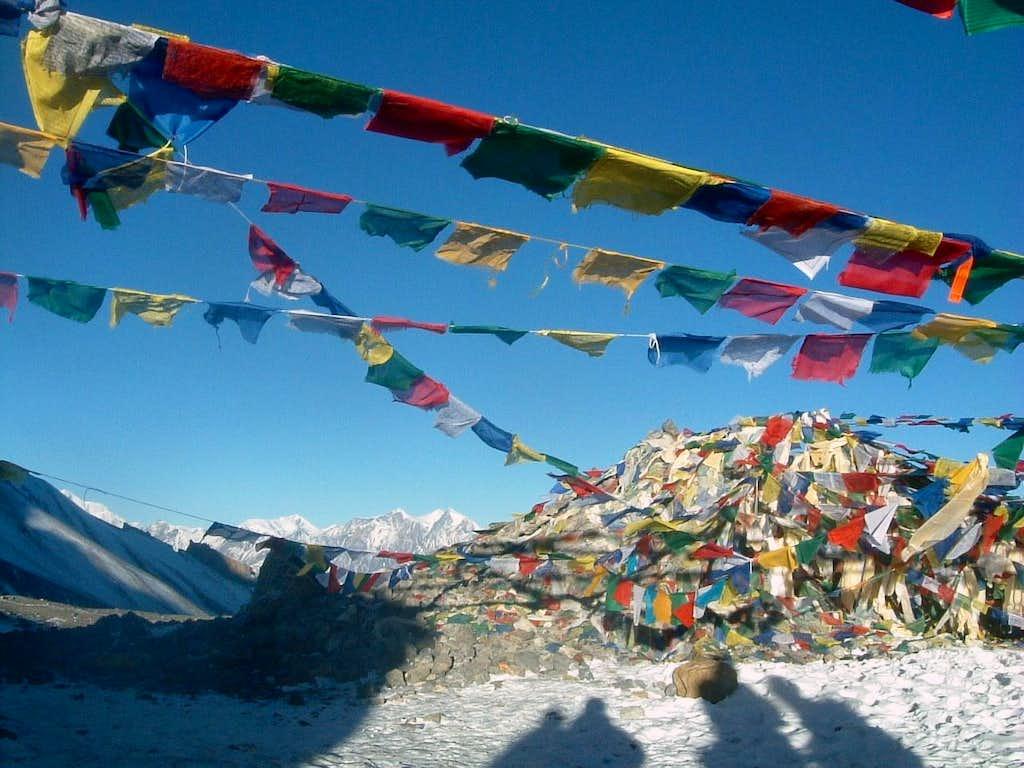 Prayers' flags on Thorung Là m. 5400 (Annapurna Trail)