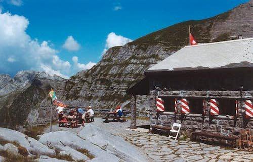 Plan Névé Hut (auigust 2002)