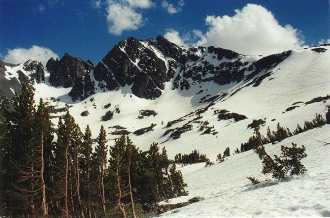 Northeast ridge from Virginia Lakes