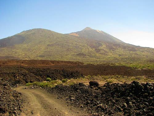 Pico Viejo and Teide from Boca Tauce trailhead