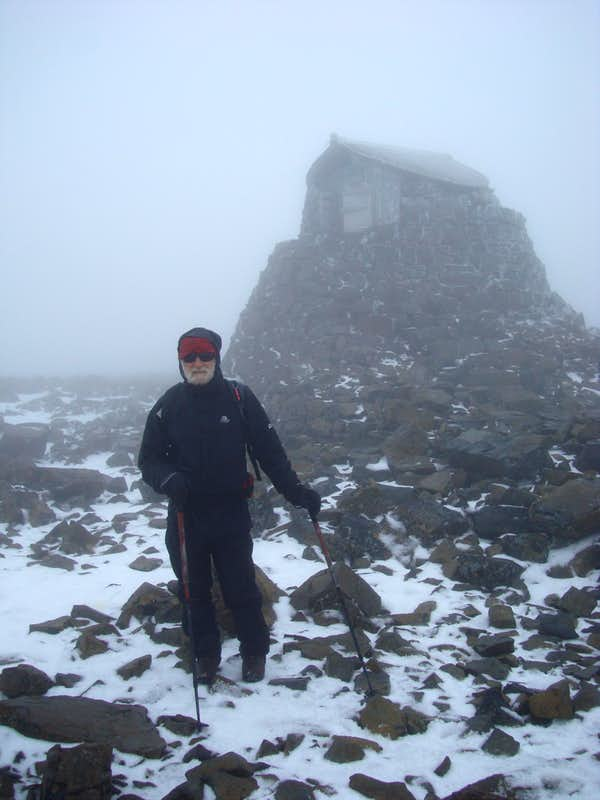 Ben Nevis - emergency summit shelter