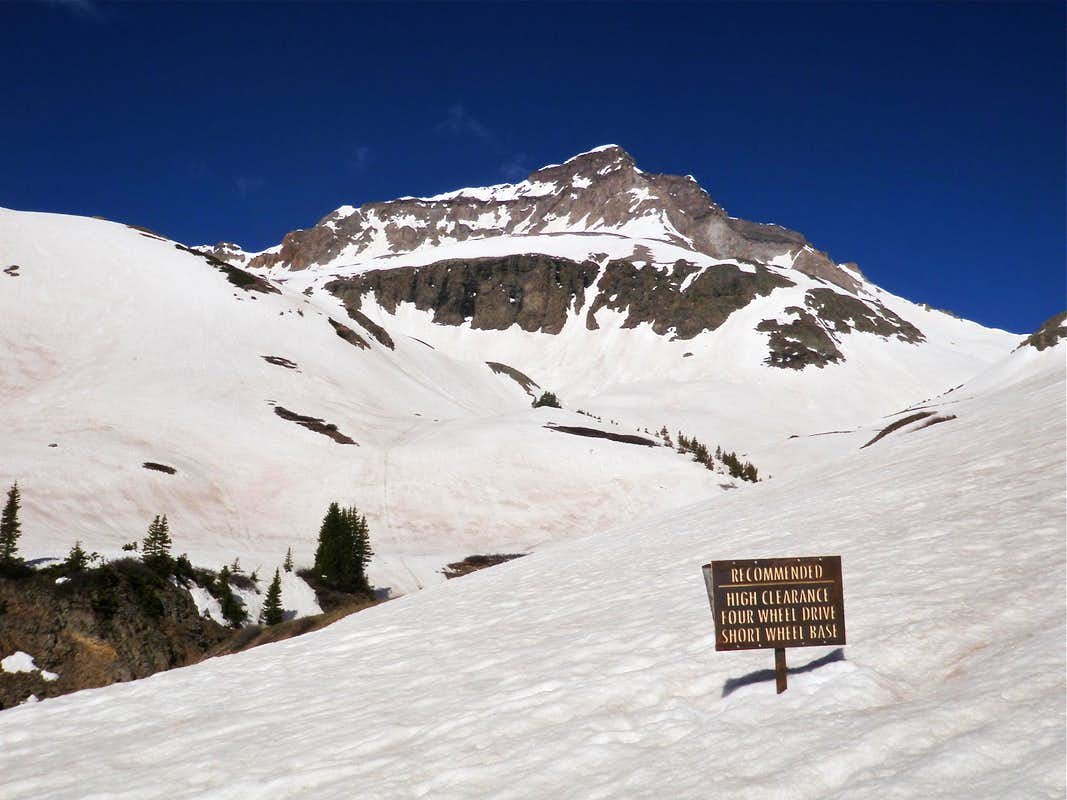 The road to Yankee Boy Basin