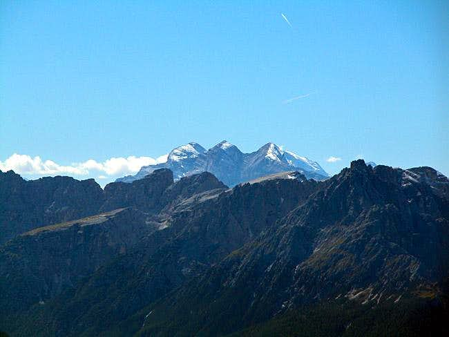 Summit View Gumriaul: Le...