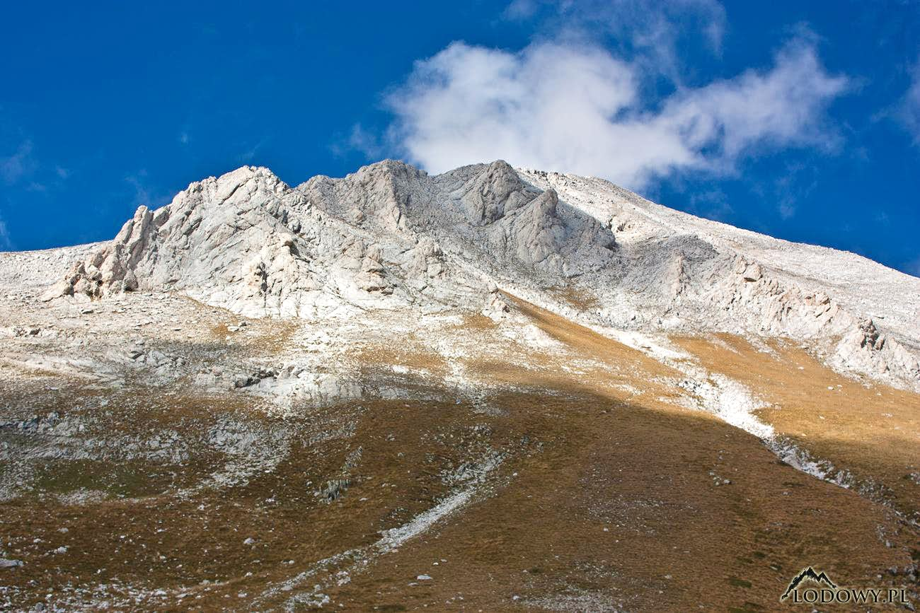 Heading to Vihren - the marble king of Pirin