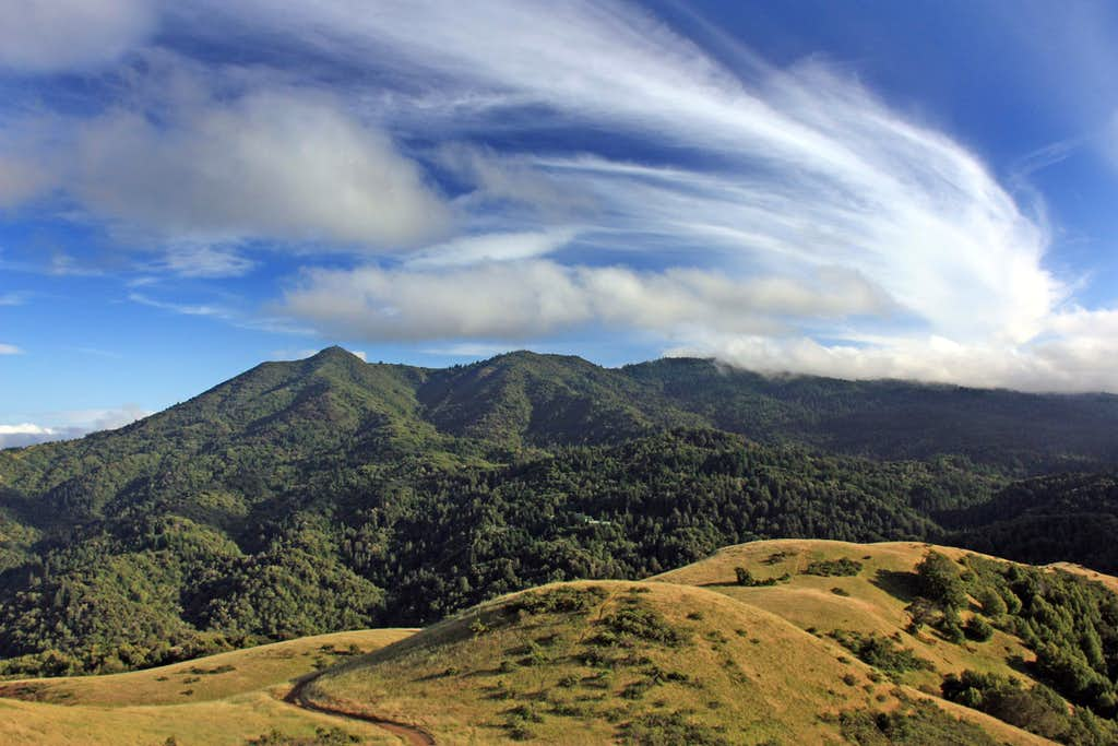 Giant Cirrus cloud over Mt. Tamalpais