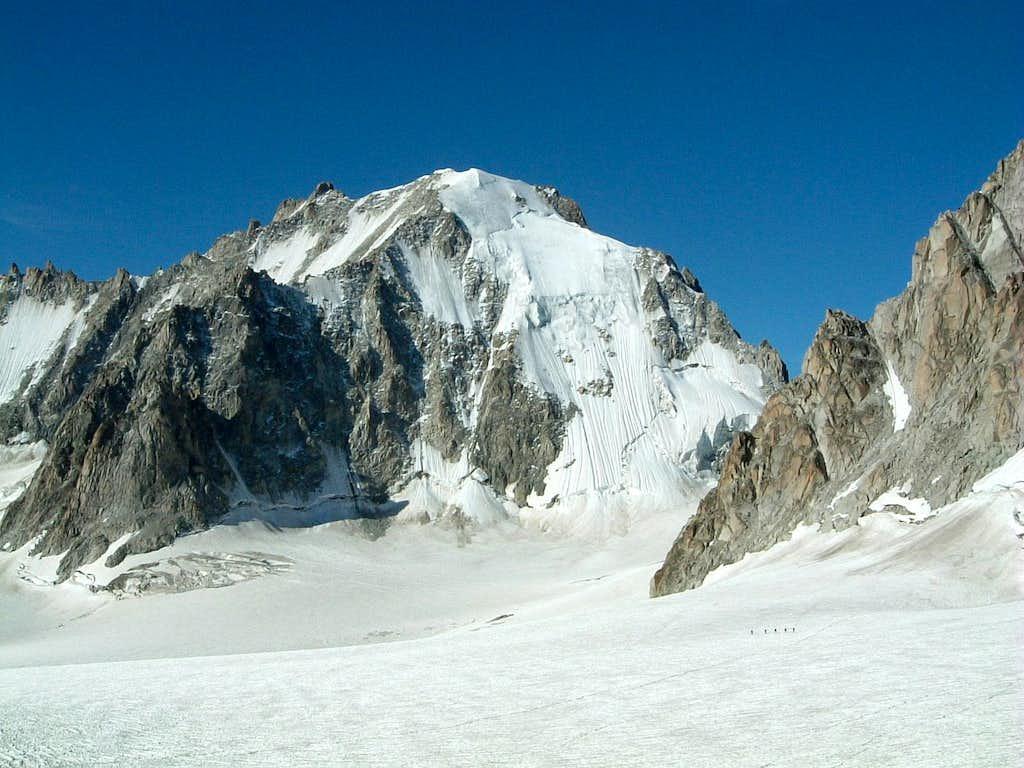 View over Saleina Glacier