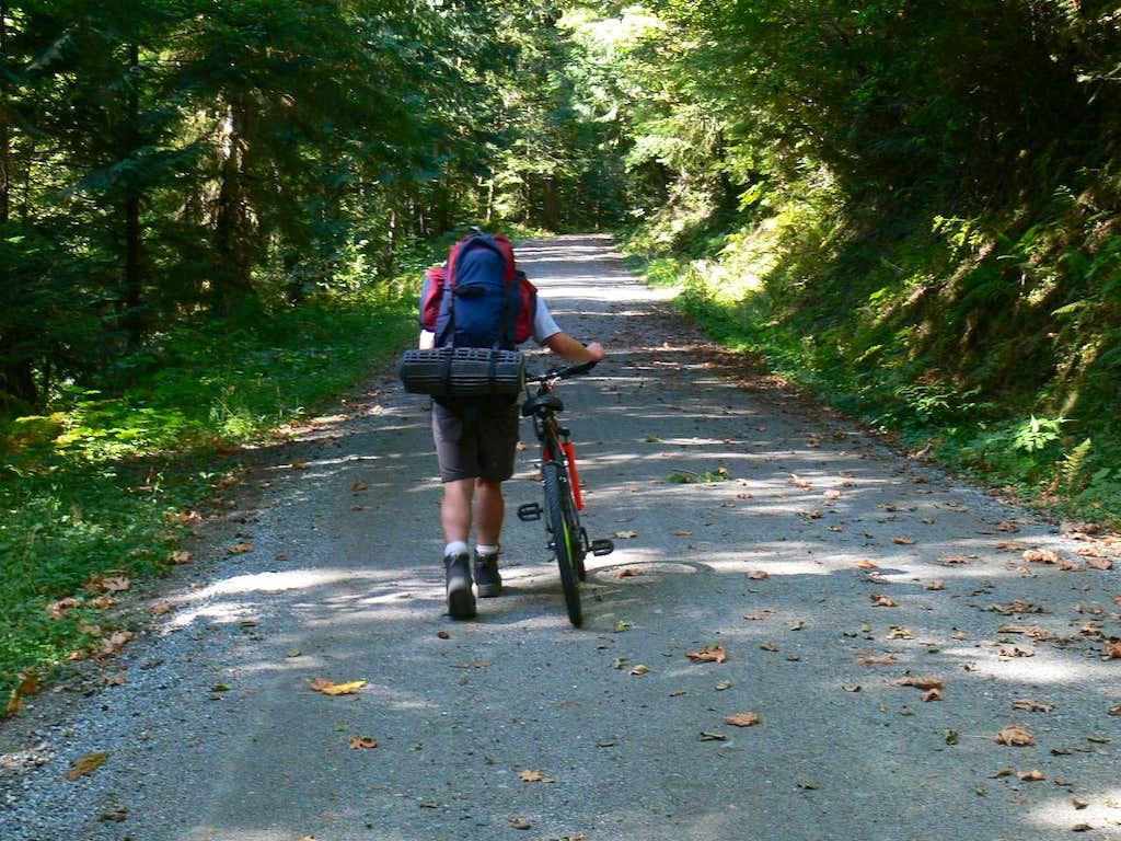 Biking in the Cascade Valley
