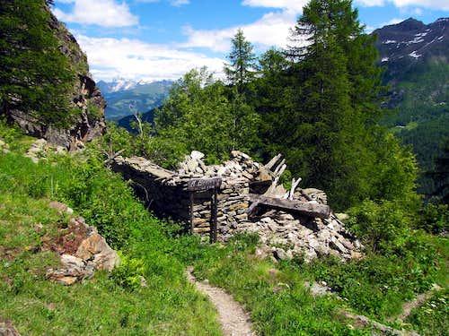 Ruins Bénévy Alpage
