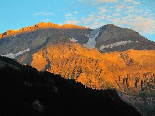Wildstrubel (3243m) and Ammertenhorn (2666m) in alpine glow