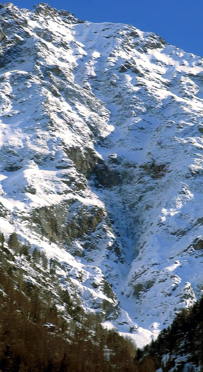 The Great Central Couloir of 850 metres