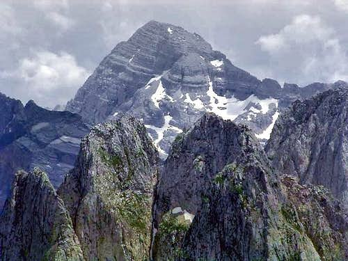 Maja Jezerce (broad peak in...