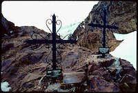 Crosses at Nido de Condores