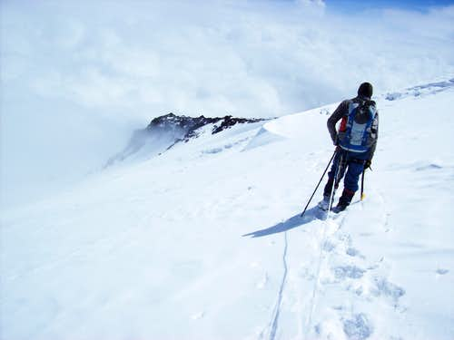 Elbrus north route traverse