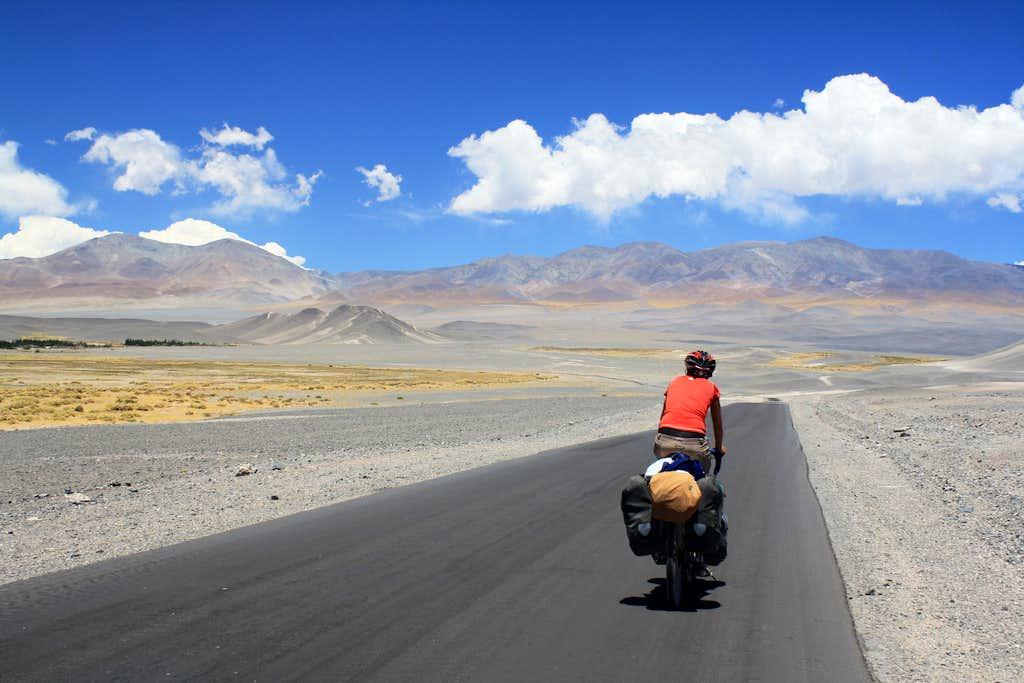 Cycling towards Laguna Blanca
