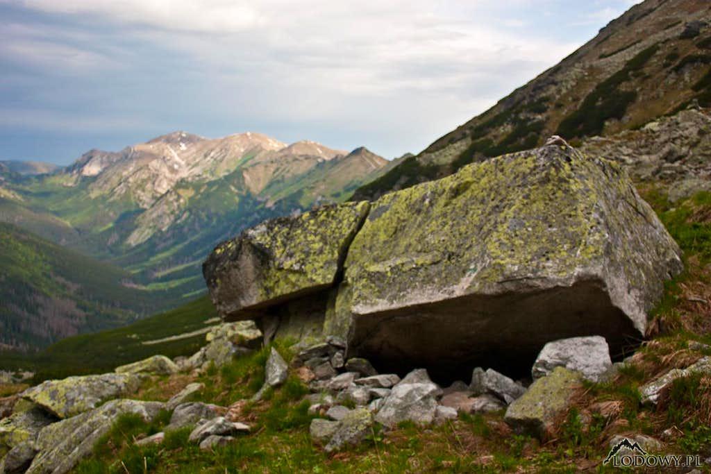 Valentkova rock shelter