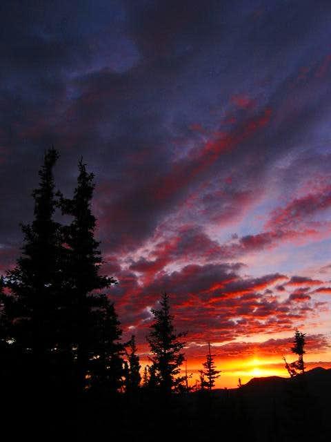 Sunrise along the Flattop...