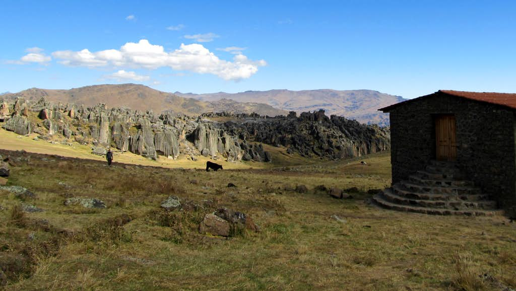 Hatun Machay and Hut