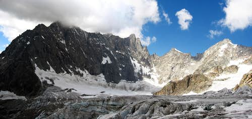 The north wall of Aiguille de Leschaux