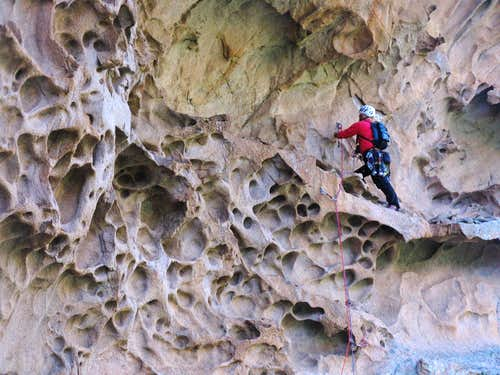 U Peru: belay inside the great tafone