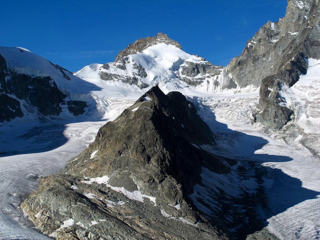 Pointe de Zinal (3783m) and Roc Noir (3124m)