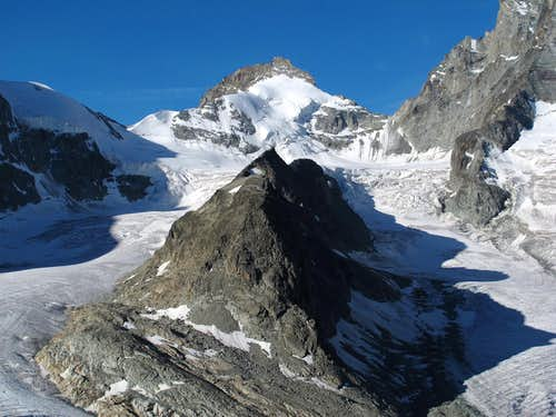 Pointe de Zinal (3783m) and Roc Noir (3124m)
