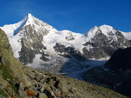 Obergabelhorn (4063m) and Mont Durand (3713m) above Glacier Durand