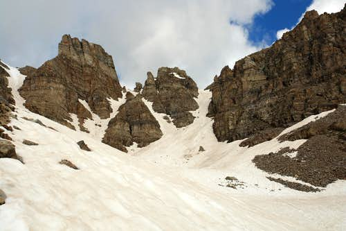 Access gully on the South Ridge of Cathedral Peak