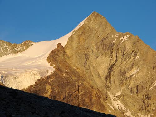 Evening close-up upon Trifthorn (3728m)