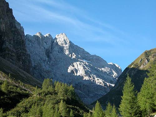 Hohe Warte (2780m) seen from...