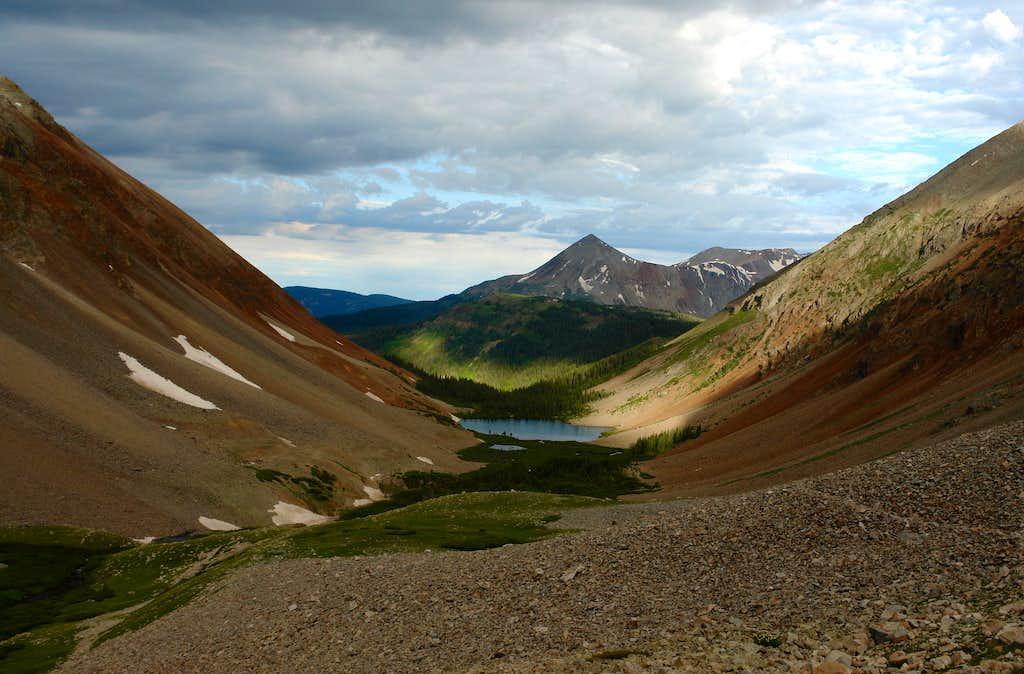 The trail in the upper Navajo Basin