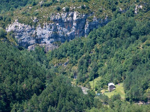 The mouth of the Escuain gorges seen from the <a href=