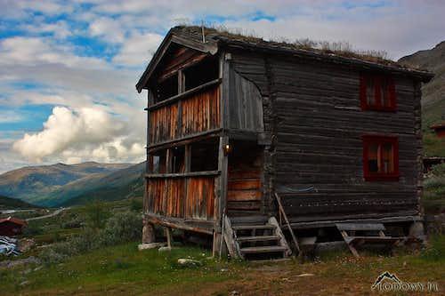 Old hut at Spiterstulen